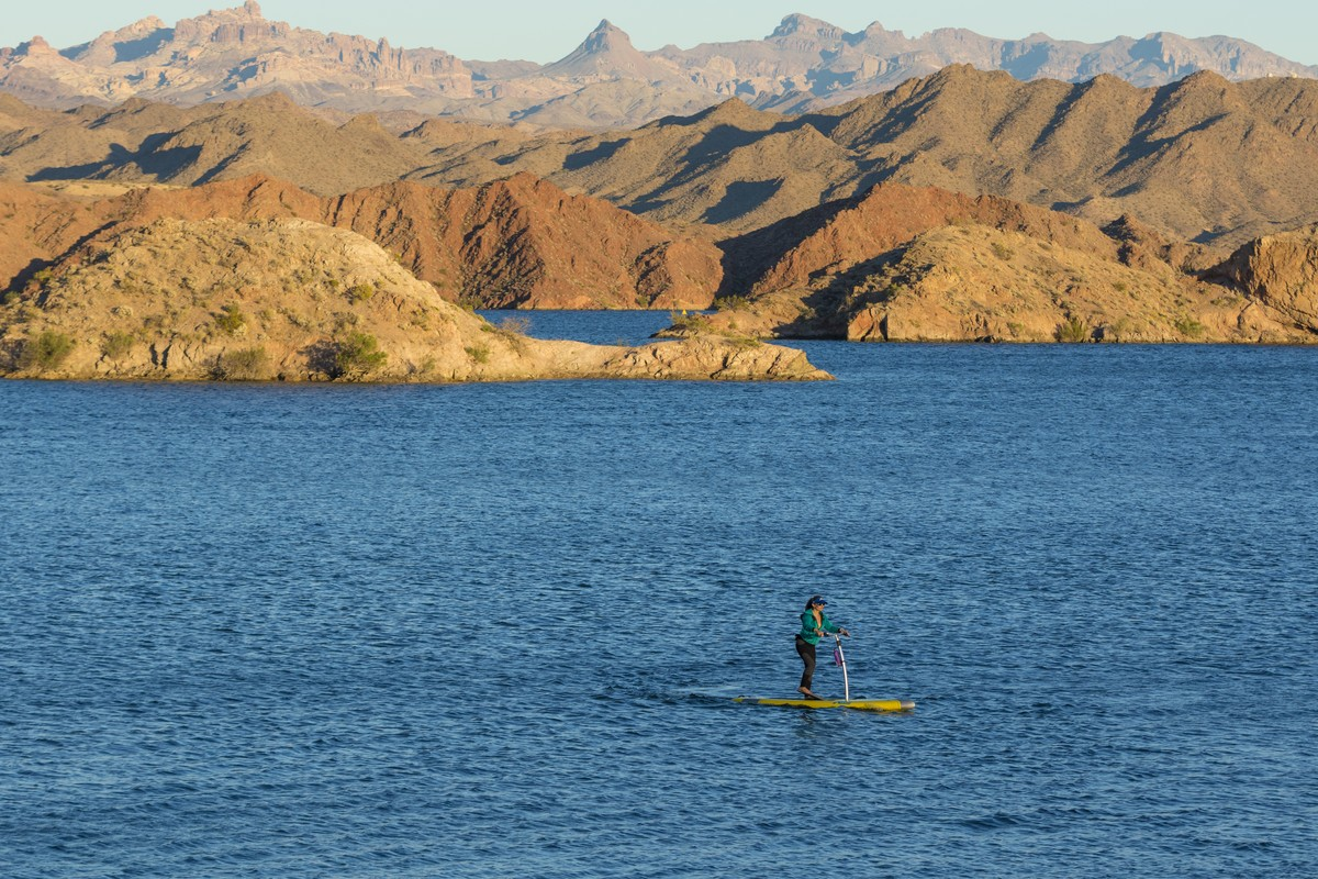 Gallery the mirage eclipse at lake mojave hobie for Lake mohave fishing