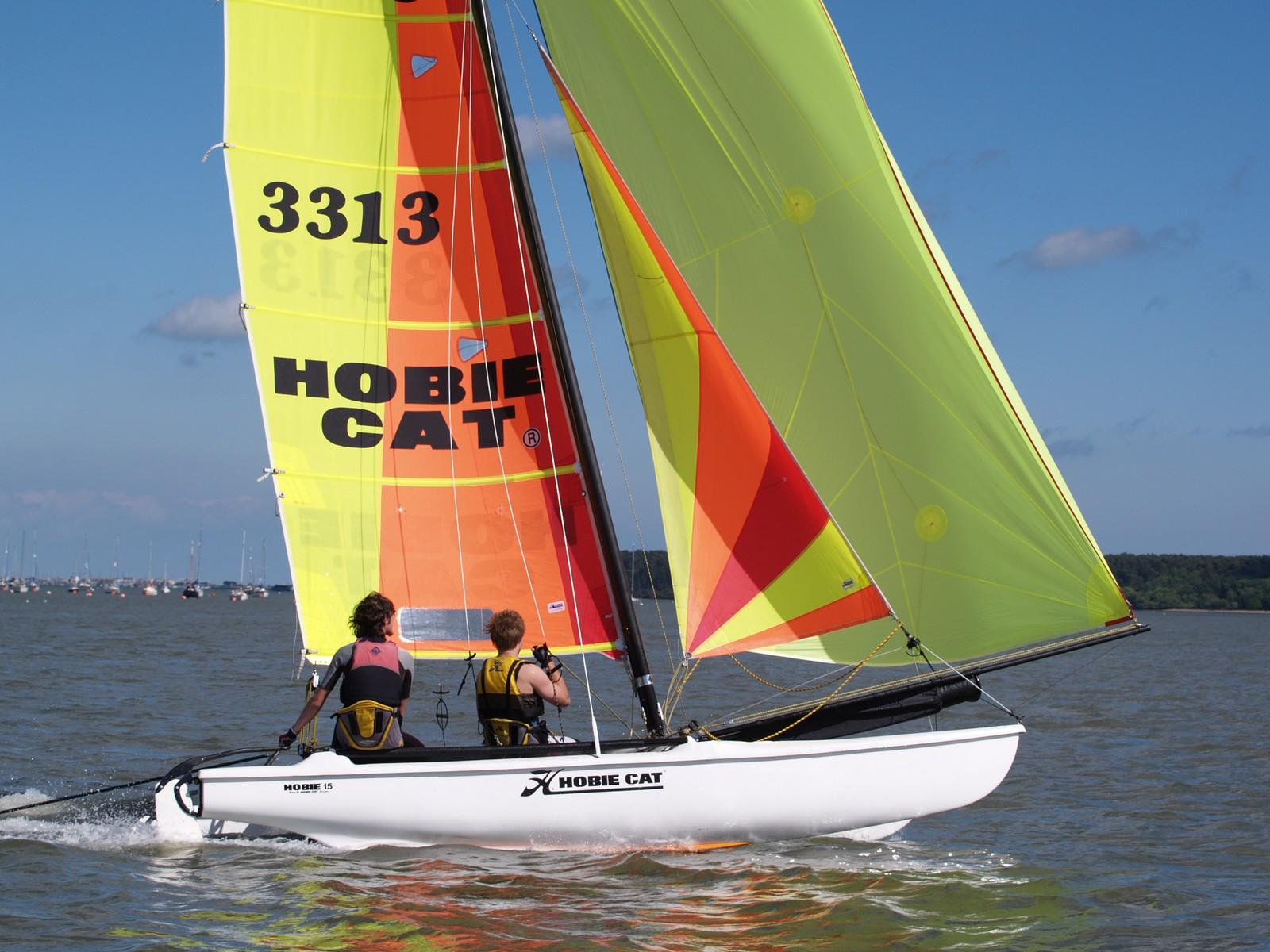 Dimension Catamaran Hobie Cat